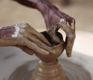 hands-potter-wheel