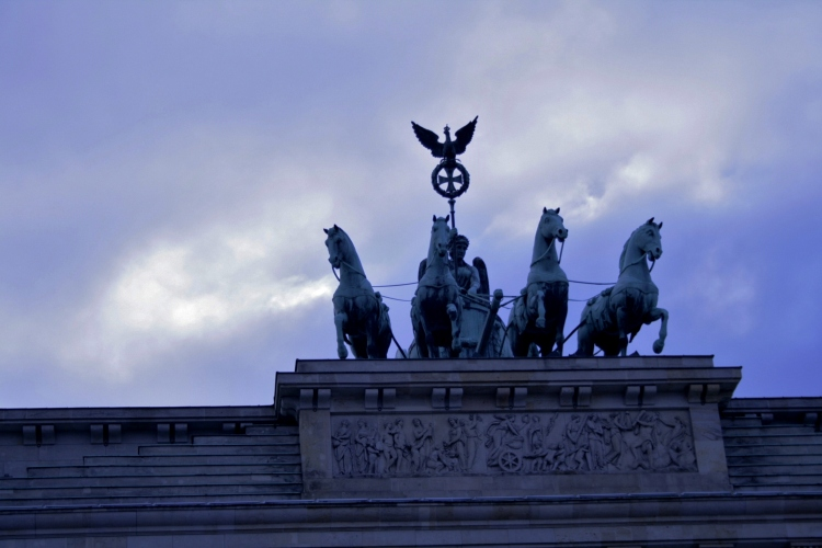 "Brandenburger Tor or where the angels spoke with God in win Wenders´ ""Fareway, So Close!"""